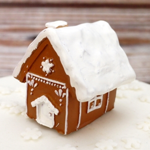 ANNIVERSARY HOUSE BX298 LUXURY BOXED MINI GINGERBREAD HOUSE RESIN TOPPER
