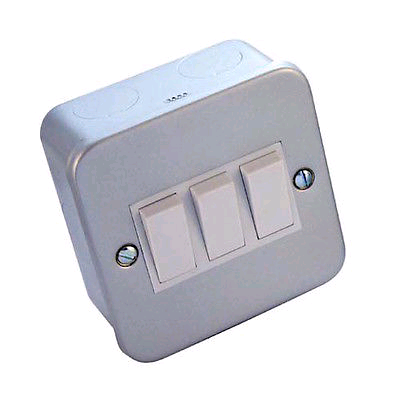 BG Metal Clad 3gang 2way Switch