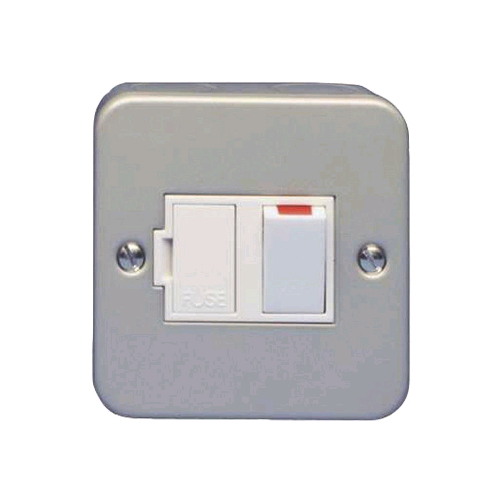 Niglon Metal Clad 13A Switched Fused Spur