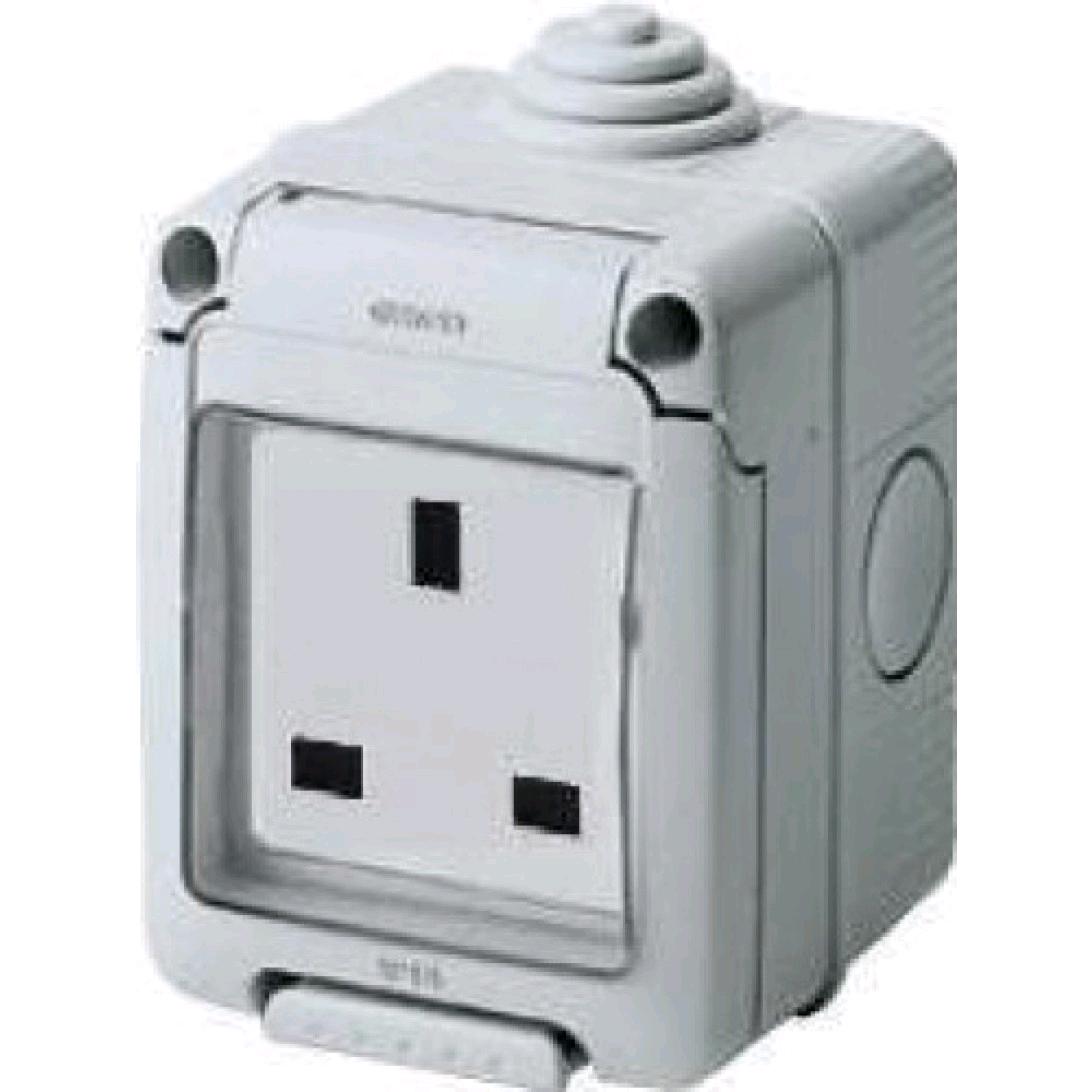 Gewiss 13A 1Gang Socket IP55 (EMG012)