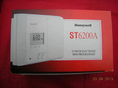 Honeywell 24hr Mini Programmer ST6200A